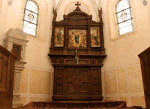 Wildensteiner Kapelle mit Altar