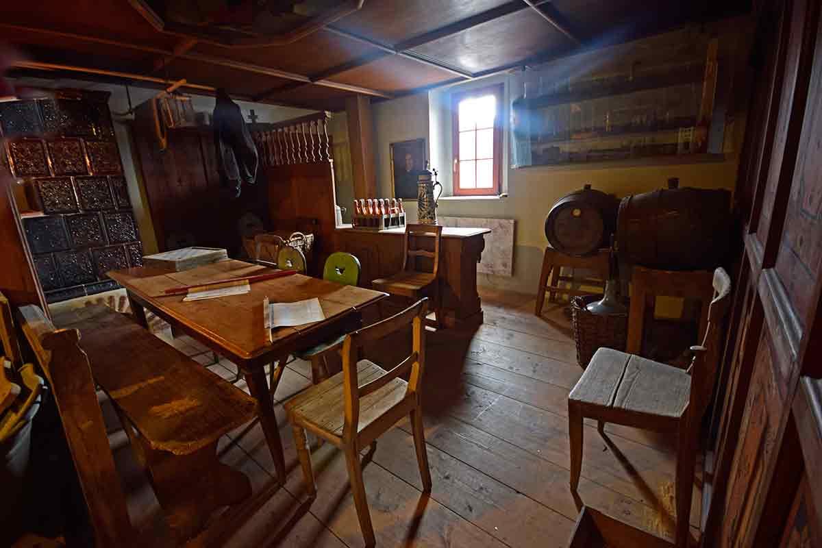 Die Gaststube im Fridinger Heimatmuseum Ifflinger Schloss