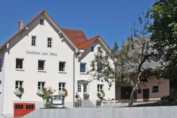 Vorderansicht Gasthaus Adler