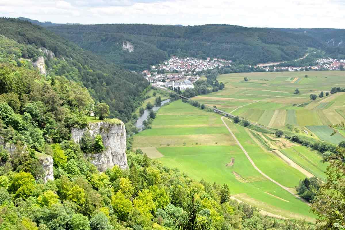 Blick ins Donautal auf Fridingen