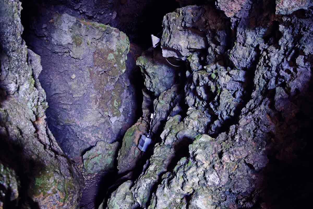 Blick in die Felsenhöhle