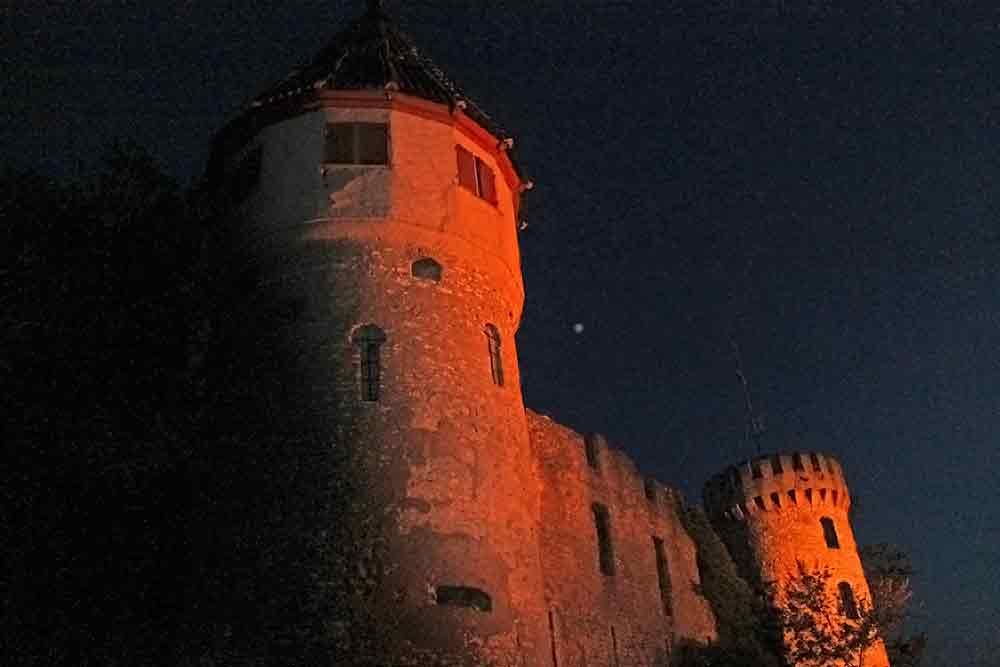 Honberg in der Nacht