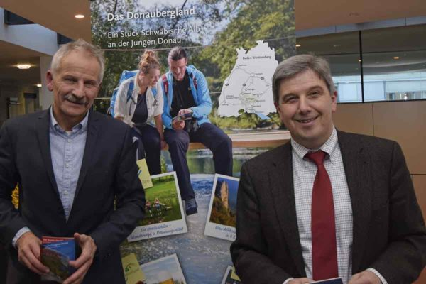Donaubergland: Landrat Stefan Bär und Geschäftsführer Walter Knittel