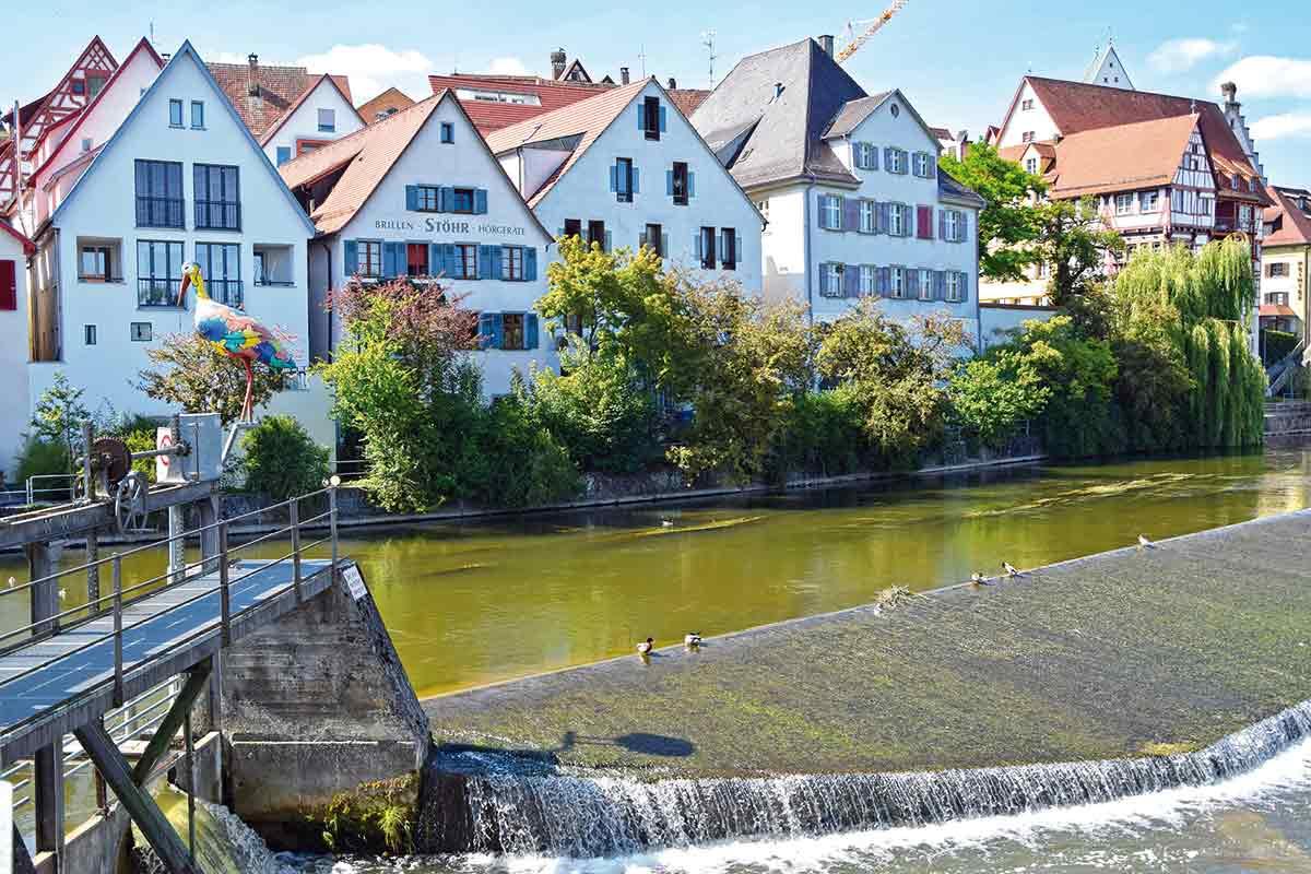 Häuserzeile an der Riedlinger Donaubrücke
