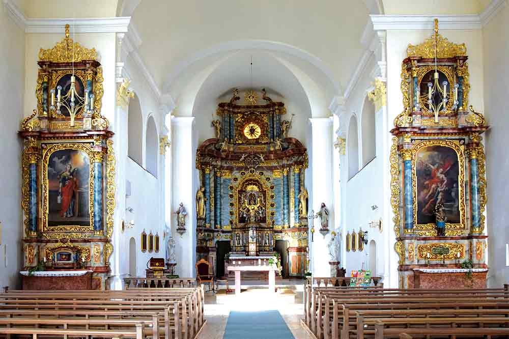 Blick in die Engelswieser Wallfahrtskirche