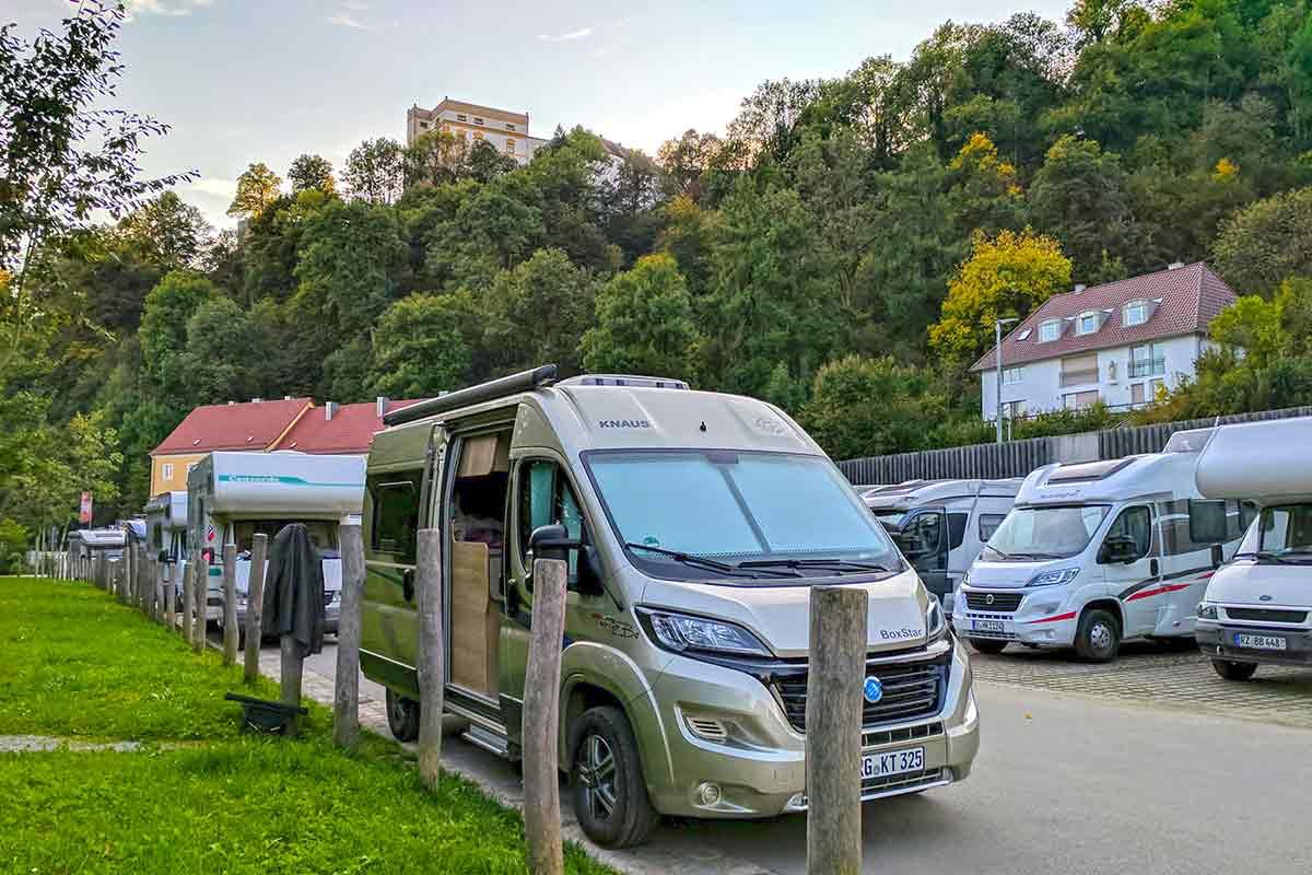 Knaus-Wohnmobil in Passau auf Stellplatz