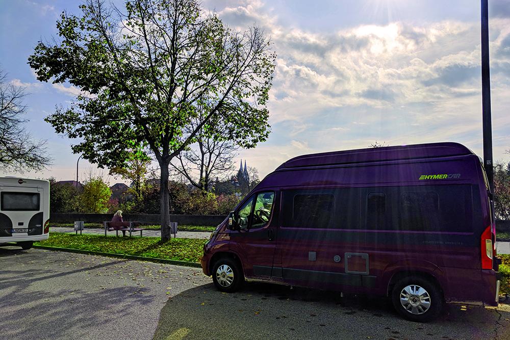 Wohnmobil an der Donau in Regensburg