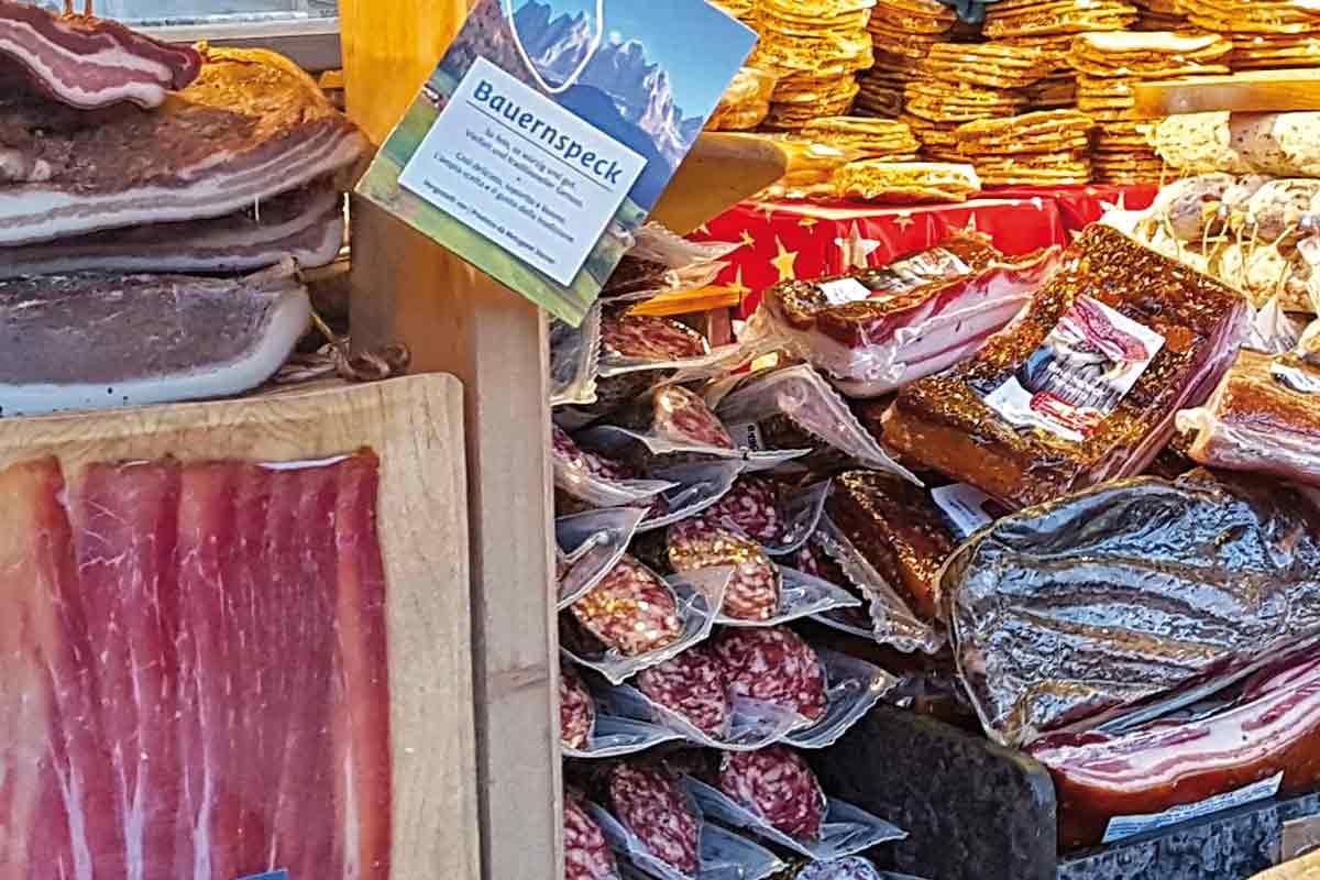 Tiroler Speck auf dem Markt in Passau